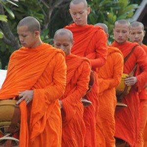 Viaggio in Laos, monaci a Luang Prabang
